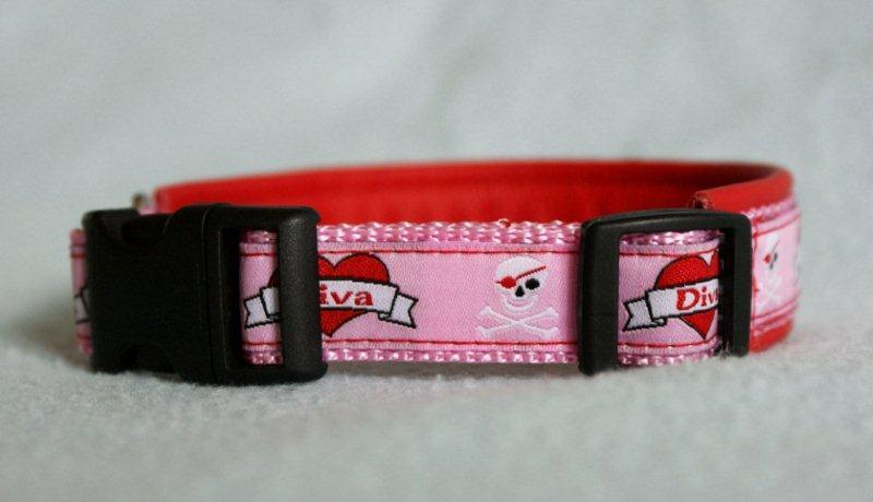 Halsband mit Klickverschluss Webband Diva unterlegt mit Leder